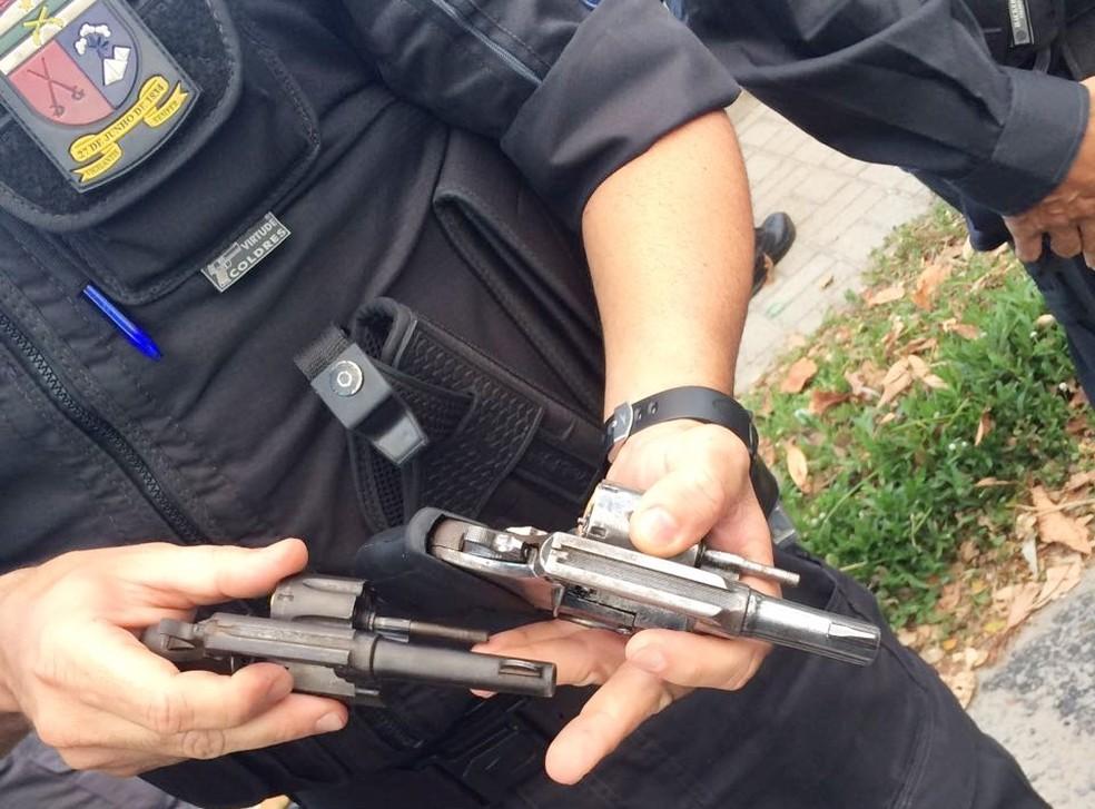Prisão foi feita por policiais militares do 5º BPM (Foto: Divulgação/PM)