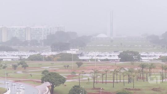 Chuva faz Congresso Nacional sumir e reaparecer em apenas 10 minutos; veja vídeo