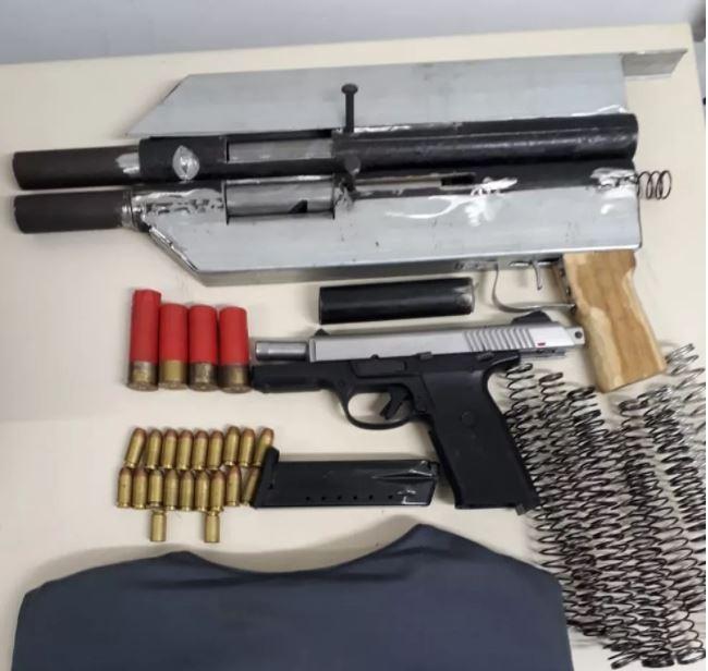 Suspeito de fabricar armas para traficantes é preso na Serra, ES