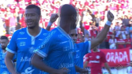 Após falha em final, Ernando tem futuro incerto, mas sem oferta para deixar o Inter
