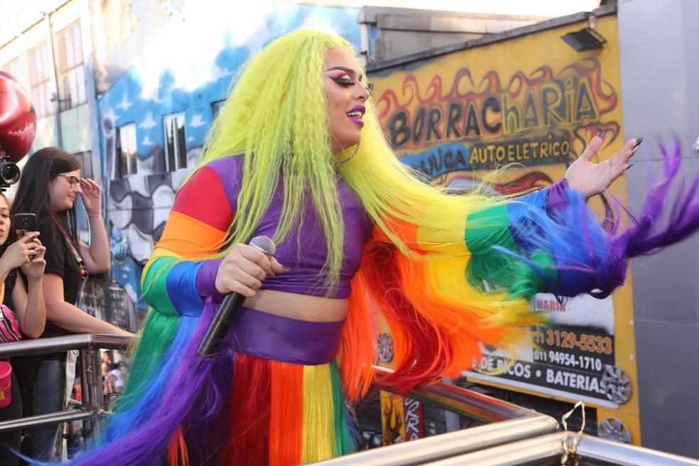 Gloria Groove se apresenta na Parada LGBT de São Paulo — Foto: Celso Tavares/G1