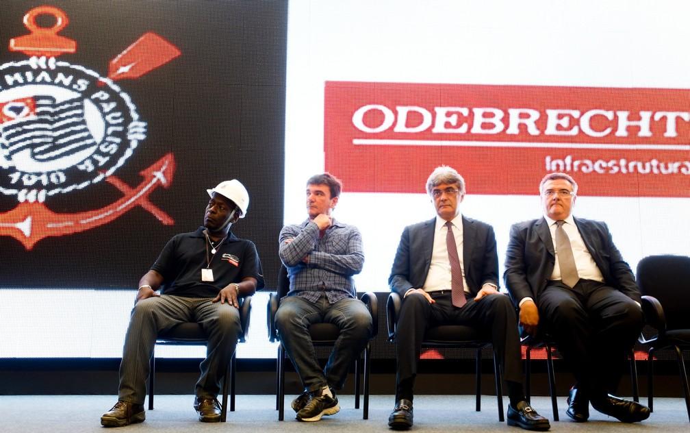 Dirigentes de Corinthians e Odebrecht, em 2014 — Foto: Rodrigo Coca / Ag. Corinthians