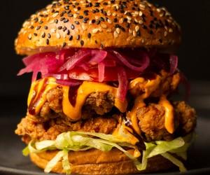Além do cheeseburger: 8 lugares para comer lanches diferentões em SP