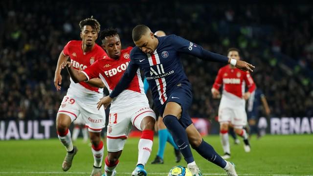 Mbappé perdeu algumas chances e, pela primeira vez depois de oito jogos, saiu de campo sem balançar as redes