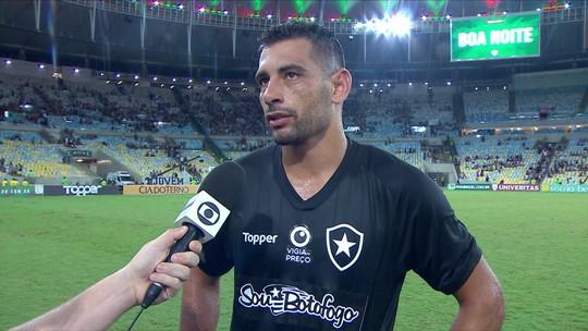 """Diego Souza avalia estreia pelo Botafogo: """"Maravilhoso! Faltou um detalhe para a gente matar o jogo"""""""