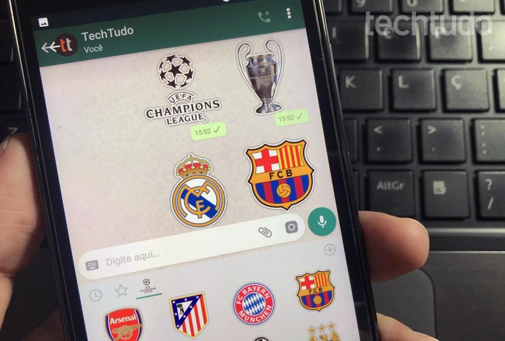 App oferece adesivos de times nacionais e internacionais ao WhatsApp — Foto: Rodrigo Fernandes/TechTudo