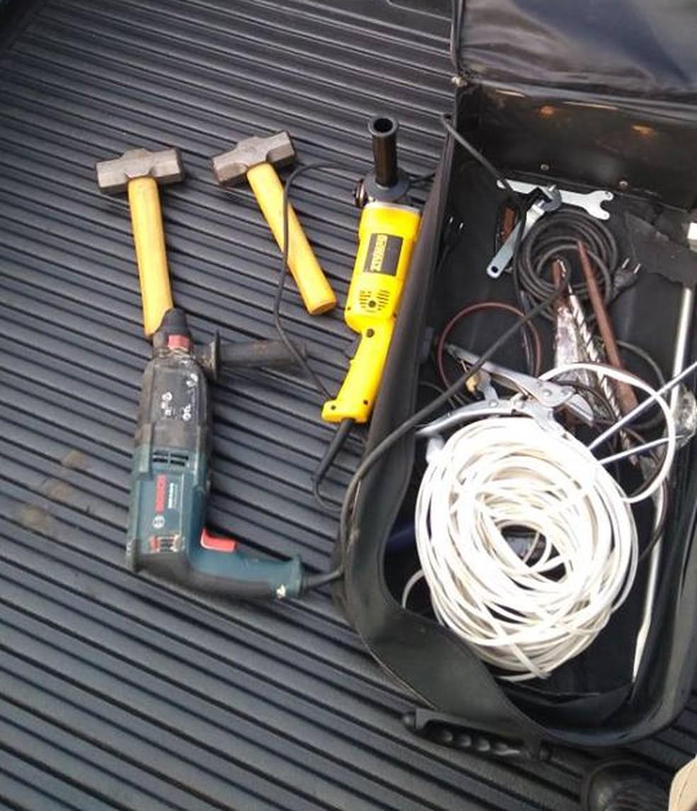 -  Material apreendido seria utilizado para furtar banco no Centro de Ituiutaba  Foto: PM/ Divulgação