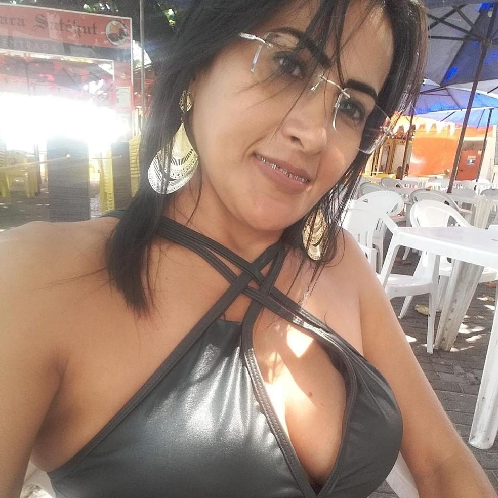 Claudiana Teixeira foi assaltada e morta na madrugada desta segunda-feira (3) — Foto: Arquivo pessoal
