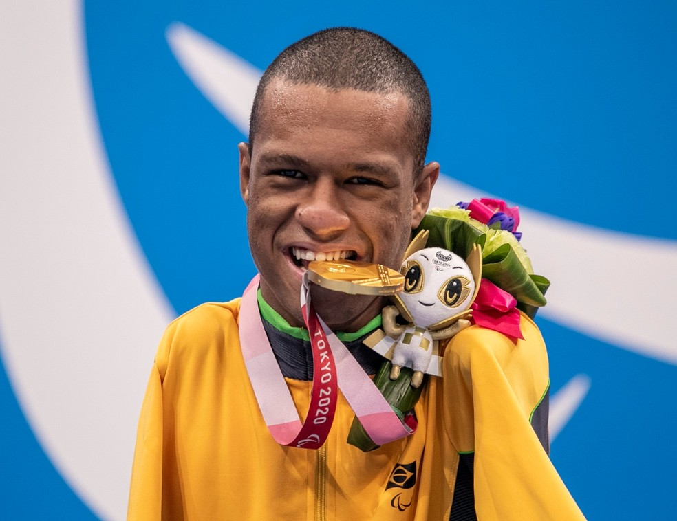 Gabriel Araújo é ouro na natação das Paralimpíadas — Foto: ALE CABRAL/CPB
