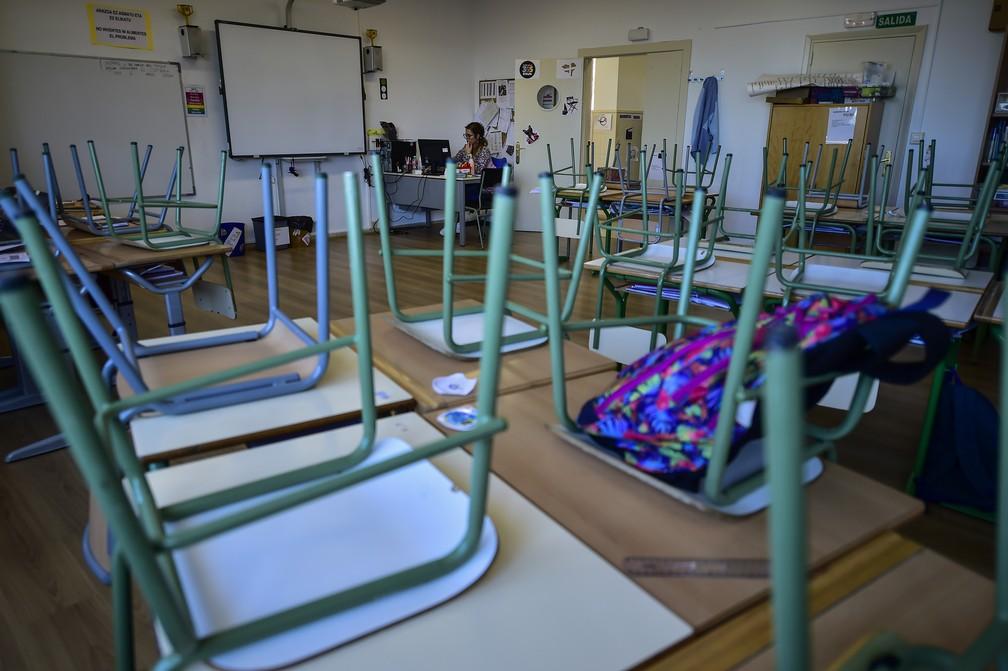 Escolas fechadas na Espanha para conter epidemia de Covid-19 — Foto: Alvaro Barrientos/AP