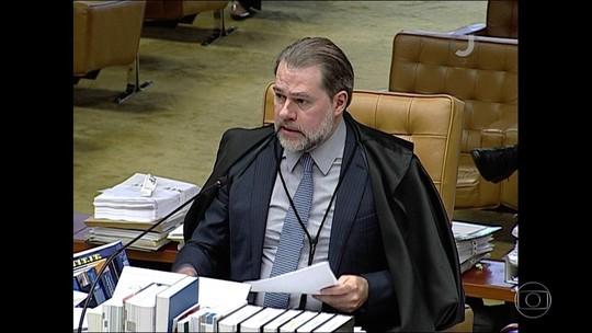 Maioria do STF vota por limitar foro de políticos, mas Toffoli adia decisão