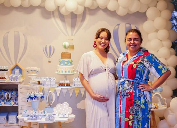 Geovanna e a decoradora Simone Rodrigues (Foto: MUKUA Kids)
