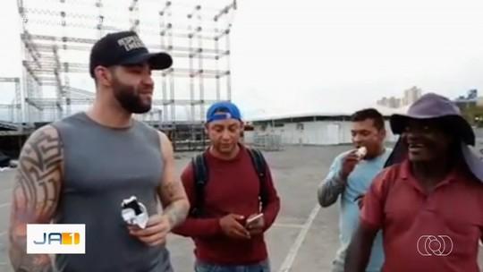 Vendedor comenta surpresa após Gusttavo Lima comprar todos picolés do seu carrinho