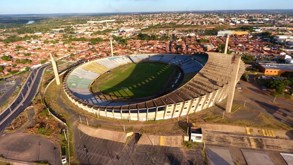 Estádio Albertão será palco do confronto entre River-PI e Flu — Foto: Fernando Cardoso/TV Clube