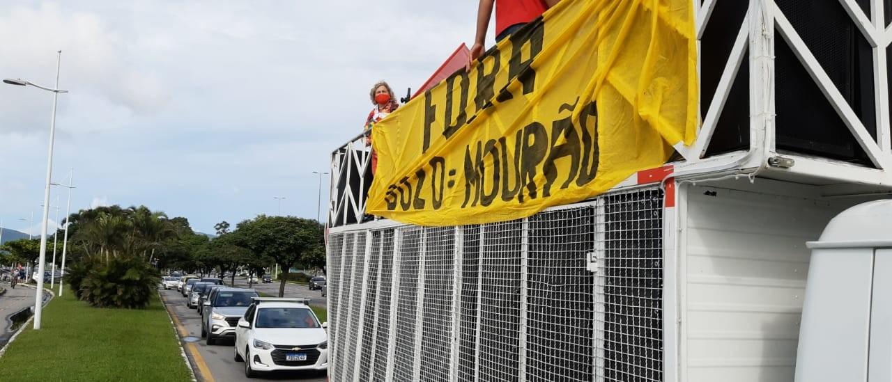 Florianópolis tem carreata contra Bolsonaro e a favor da vacinação