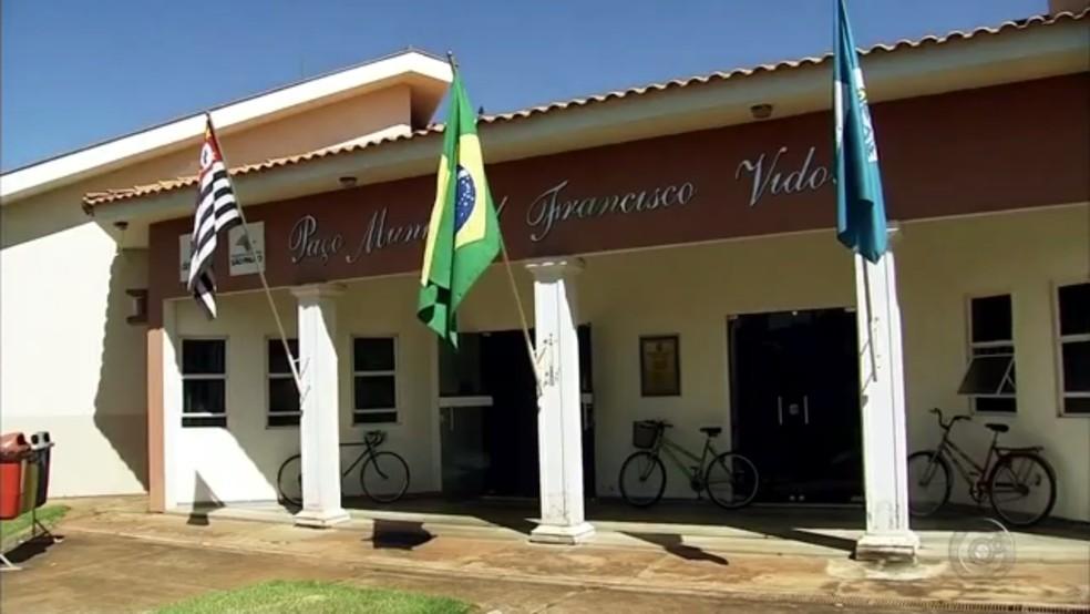 Prefeitura de Suzanápolis (Foto: Reprodução/TV TEM)