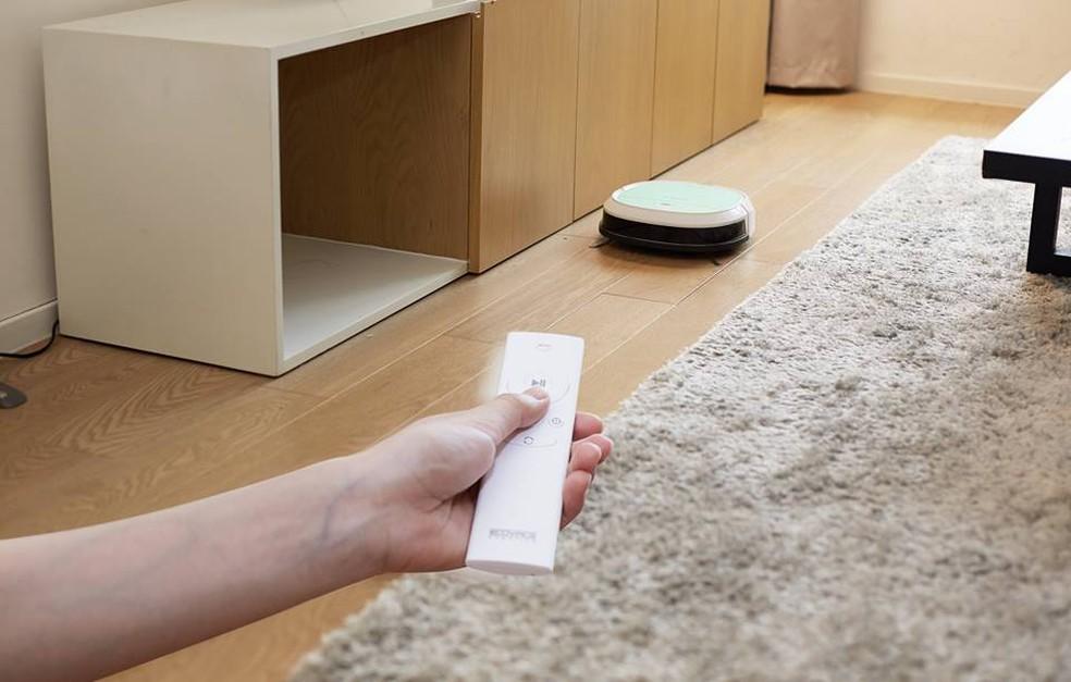 Robôs podem ser programados para fazer a limpeza (Foto: Divulgação/Ecovacs)