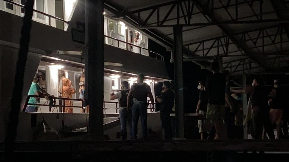 Policiais flagraram evento na noite desta terça-feira (6), nas proximidades de Manaus. — Foto: Patrick Marques/G1 AM