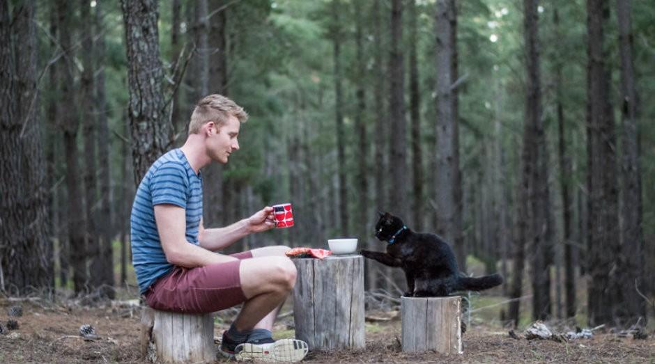 Rich e Willow: parceiros de viagem pelo território australiano  (Foto: Divulgação)