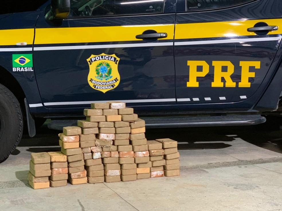 Mais de 80 kg de pasta base de cocaína foram apreendidos no RN durante fiscalização. — Foto: PRF/Divulgação