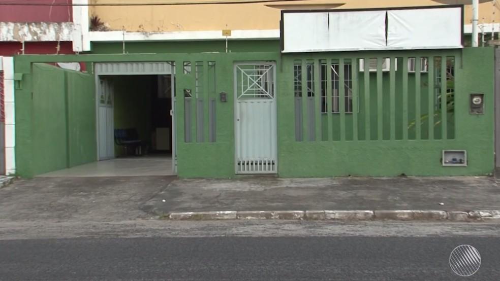 Suspeito foi transferido para a Delegacia da Mulher de Ilhéus — Foto: Reprodução/TV Santa Cruz