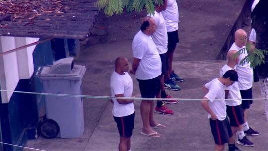Pezão participa de hasteamento da bandeira em presídio de Niterói; vídeo