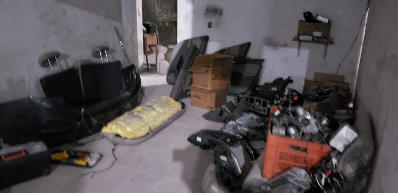 Cinco pessoas são presas em desmanche de veículos no Norte de SC - Notícias - Plantão Diário