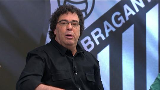 """Casagrande cobra centroavante no Corinthians: """"Precisa de alguém na área"""""""