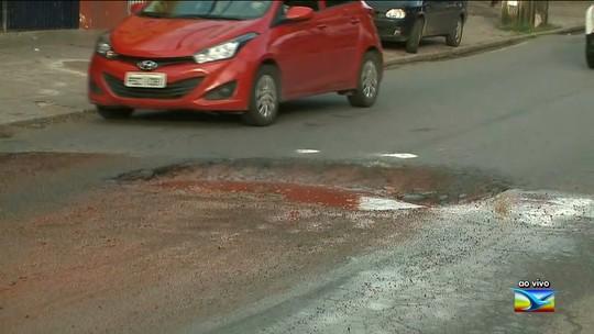 Buraco atrapalha tráfego de veículos na Avenida São Marçal em São Luís