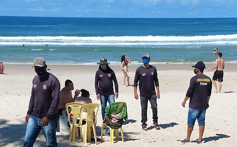 Fiscais  fazem ronda na Praia do Francês, em Marechal Deodoro  — Foto: Secretária de Turismo de Marechal Deodoro