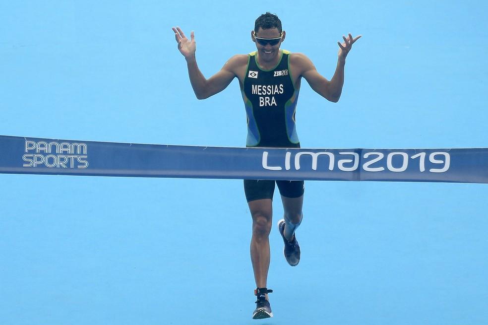 Brasil é ouro no revezamento misto do triatlo nos Jogos Pan-Americanos Peru 2019 — Foto: Alexandre Loureiro/COB
