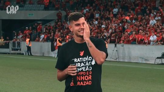 Discursos e emoção: Athletico divulga vídeo de bastidores da vitória sobre o Santos
