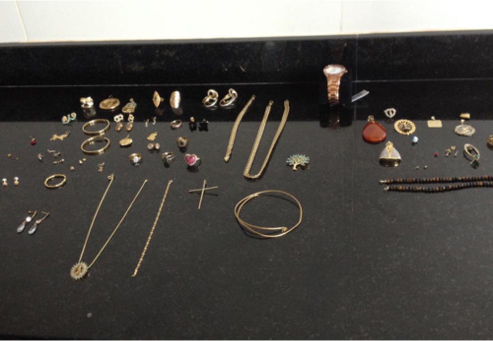 -  Foram encontrados documentos e joias na casa do ex-prefeito de Cachoeira do Arari  Foto: Ascom/MPPA