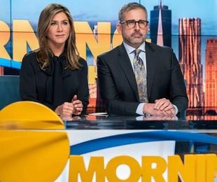 Jennifer Aniston e Steve Carell como Alex e Mitch em 'The morning show'   Apple