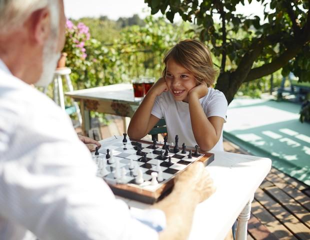 Encontro entre avós e netos: veja que cuidados tomar por causa do ...