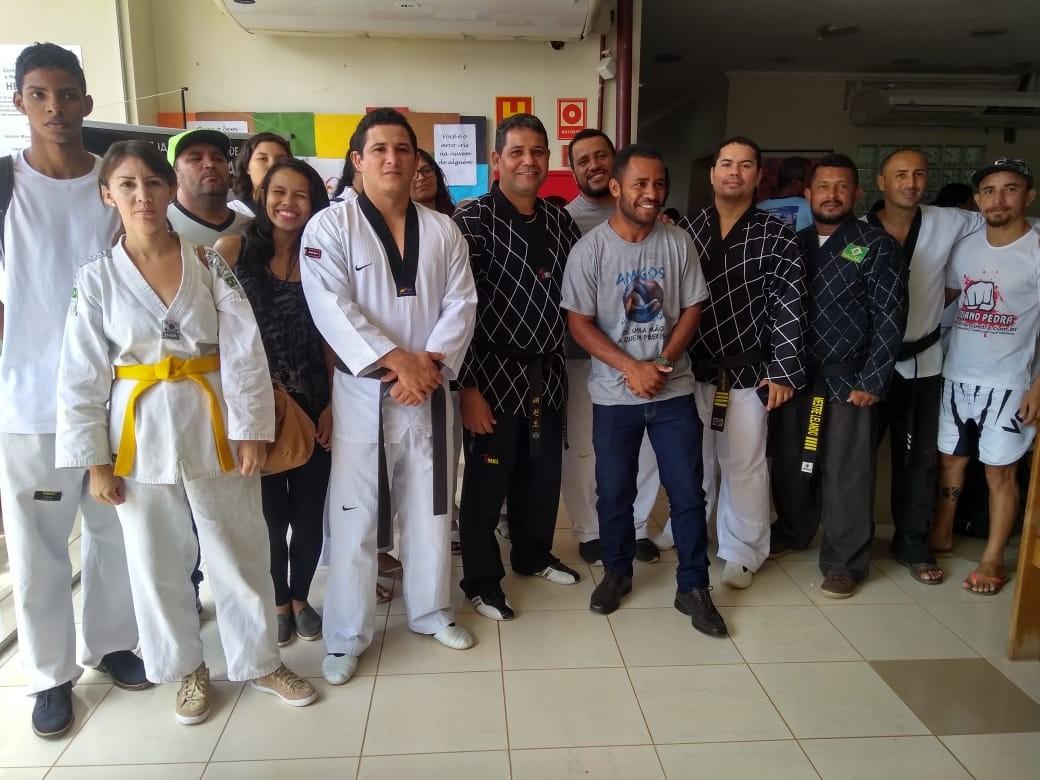 Mais de 100 atletas de taekwondo se unem para para doar sangue e aumentar estoque no Hemoacre  - Noticias