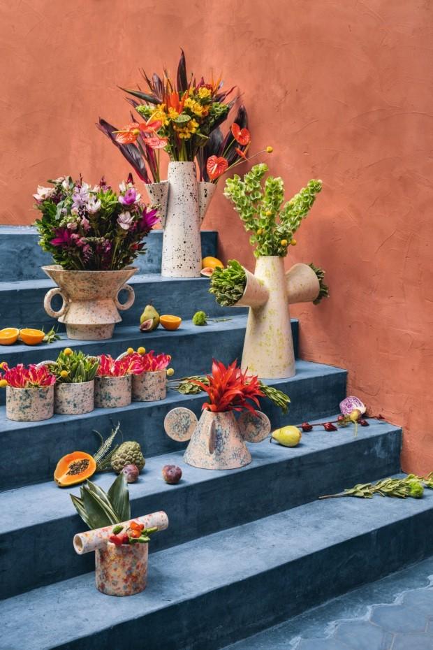 Humberto da Mata cria vasos feitos à mão (Foto: Gui Gomes)