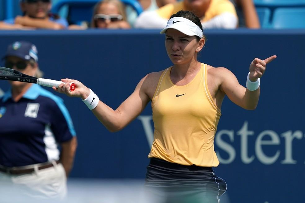 Simona Halep contra Ekaterina Alexandrova em Cincinnati — Foto: Aaron Doster-USA TODAY Sports