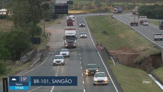 Faixas do sentido Sul da BR-101 em Sangão são liberadas