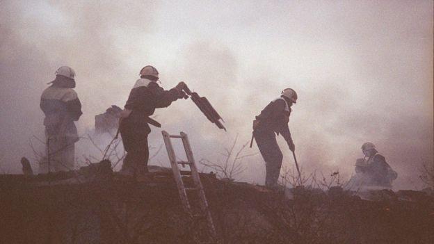 'Os bombeiros foram os verdadeiros heróis da tragédia', diz o historiador Serhii Plokhii (Foto: GETTY IMAGES via BBC)