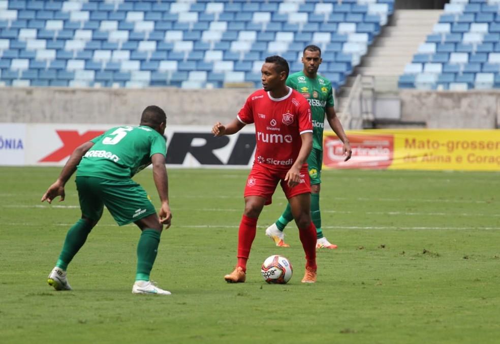 Alex Maranhão ficou sumido no jogo — Foto: Gil Gomes/União EC