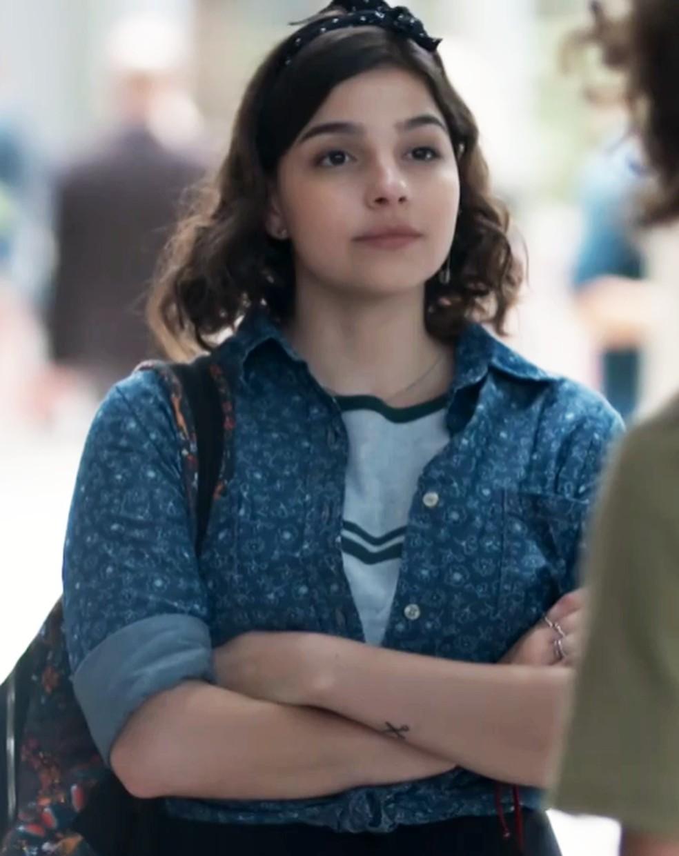 Keyla (Gabriela Medvedovski) tem que decidir se vai voltar com Deco (Pablo Morais) em 'Malhação - Viva a Diferença' — Foto: Globo