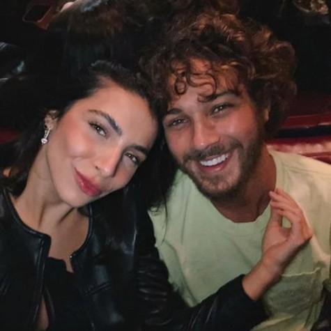 Rayssa Bratillieri e o namorado, André Luiz Frambach (Foto: Reprodução)