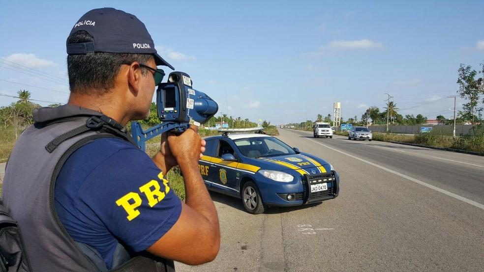 Estratégia da PRF é oferecer reforço concentrado no policiamento preventivo em locais e horários de maior incidência de acidentes graves e de criminalidade (Foto: PRF/Divulgação)