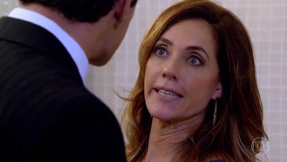 Tereza Cristina manda Ferdinand matar Antenor no hospital: 'Eliminar aquele verme' — Foto: Globo