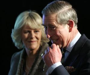 Príncipe Charles e Camilla desativam comentários em perfil nas redes sociais após polêmica em série