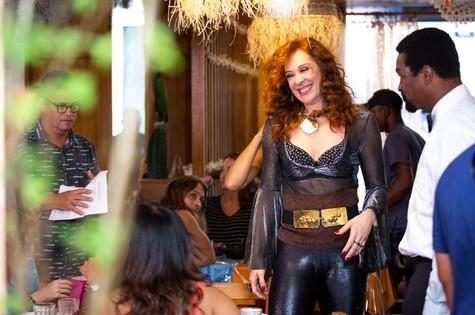 Claudia Raia é Lidiane em 'Verão 90' (Foto: Reprodução)