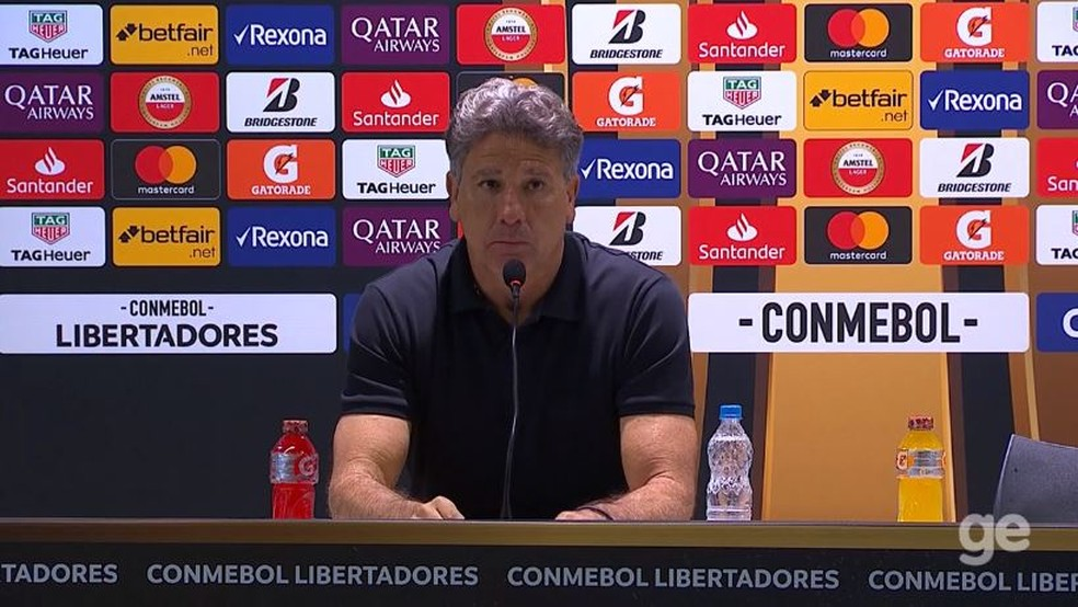 Renato Gaúcho na entrevista coletiva após a goleada para o Flamengo — Foto: Reprodução