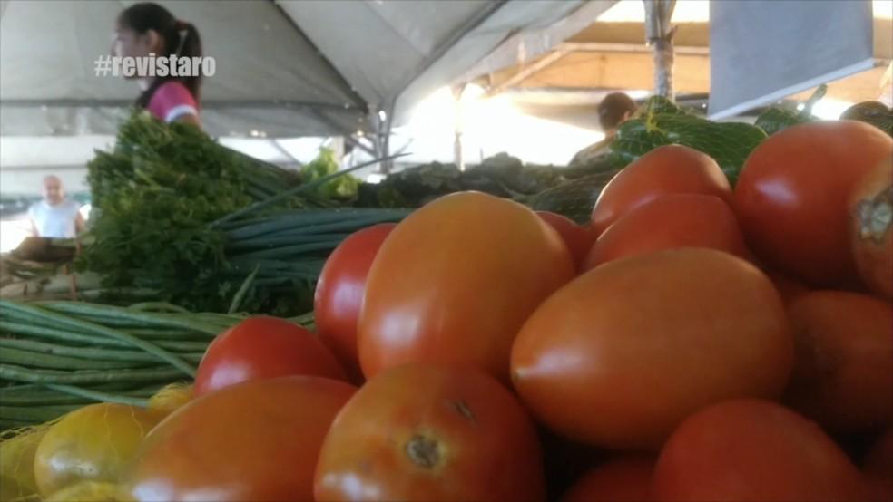Quilo de tomate custa R$ 2,00 em Pimenta Bueno e R$ 1,80 em Rolim de Moura  (Foto: Rede Amazônica/Reprodução )