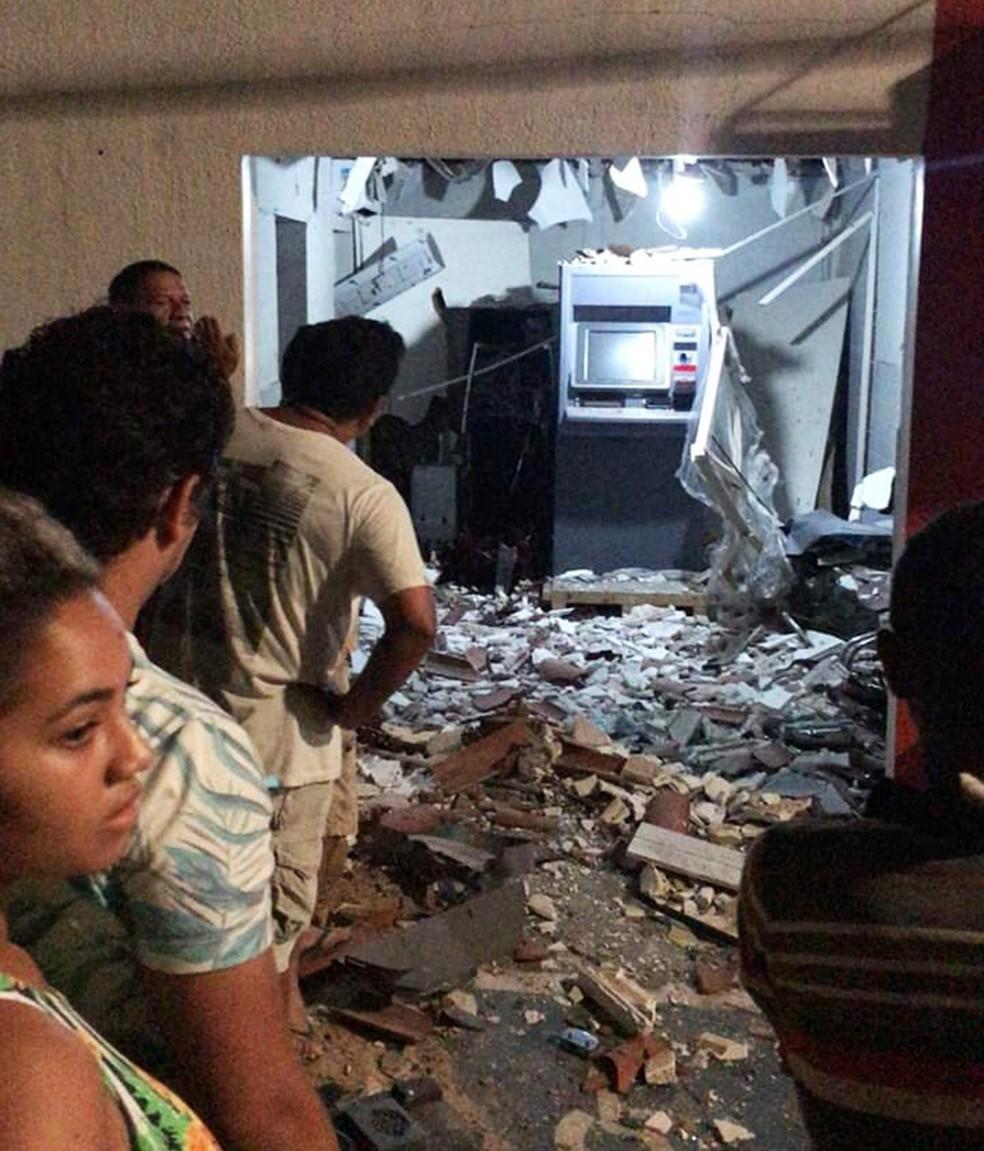 Em Serra Caiada, alvo foi a agência do Bradesco — Foto: Redes sociais